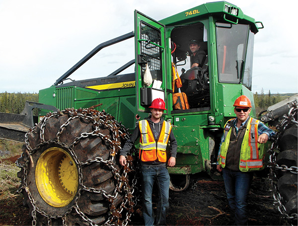 TimberWest Magazine -July/August, 2016 -Deere Delivers with